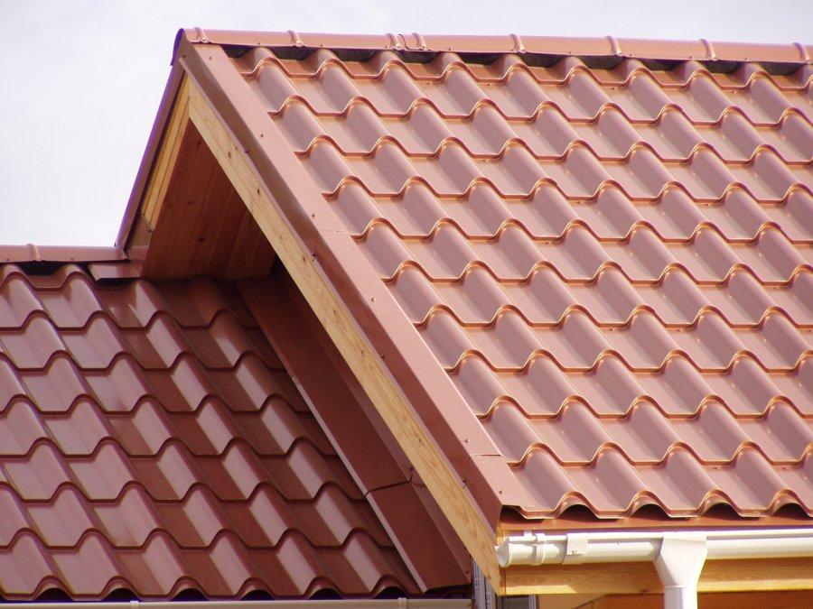 Фото домов с крышами из металлочерепицы